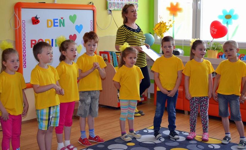 96f4feef8 Škôlkari z MŠ Štefánikova oslavovali Deň rodiny ::: Aktuality a ...