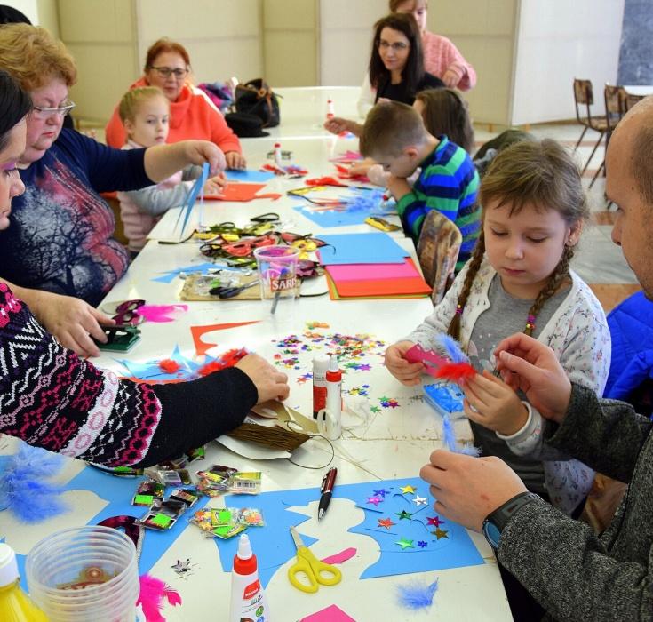 Novoročné tvorivé dielne pre deti v Dome kultúry     Aktuality a oznamy      Mesto Humenné     www.humenne.sk ffa7ada2538